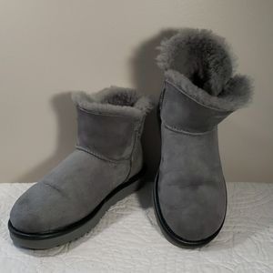 UGG Mini Bailey Button Women's Boots Size 7